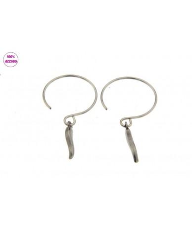 orecchini in acciaio con cornetto pendente
